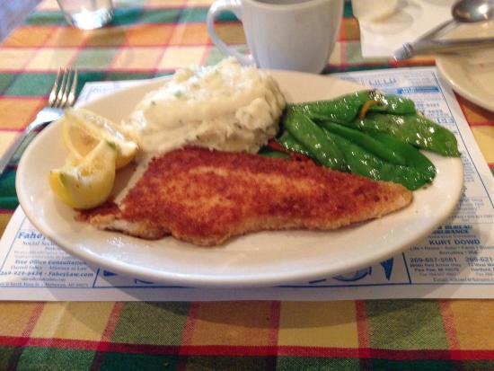 120 Taphouse & Bistro: Potato crusted White Fish