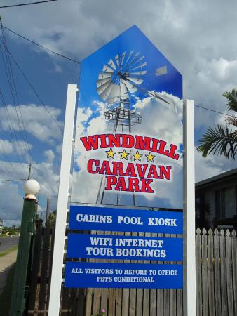 Windmill Caravan Park: Welcome sign