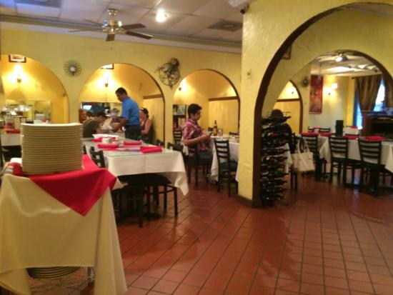 Masala Indian Cuisine: Inside view