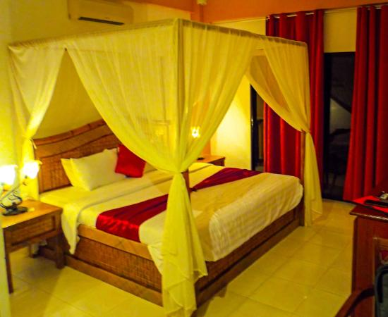 Anda White Beach Resort: Very comfortable bed