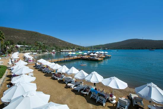 family room picture of crystal green bay resort spa guvercinlik rh tripadvisor co za