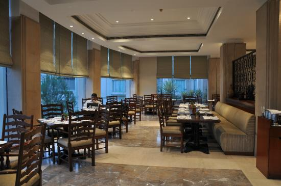 The Uppal Hotel - an Ecotel Hotel: Coffee Shop