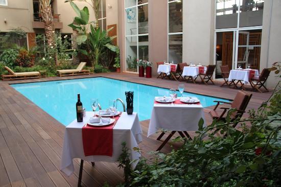 Casablanca Appart'hotel: patio