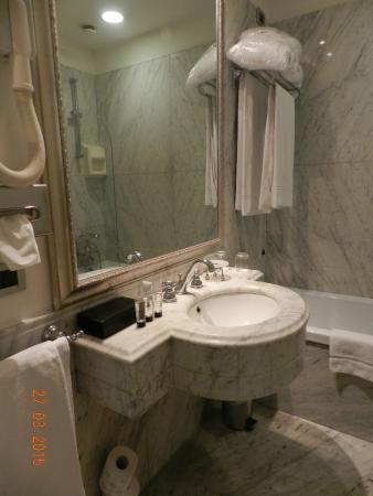 Bailey's Hotel: la salle de bain