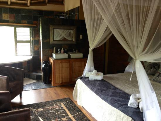 Khaya Umdani Guest Houses: Sleepingroom