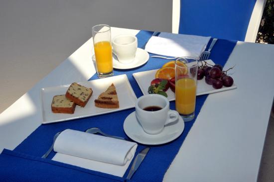 Albania Hotel : colazione in terrazza