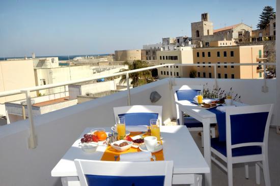 Albania Hotel : colazione con panorama centro storico