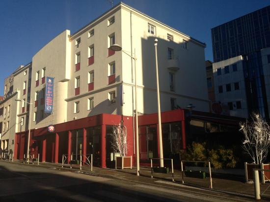 Central Parc Hotel: VUE EXTERIEUR DE L'ETABLISSEMENT