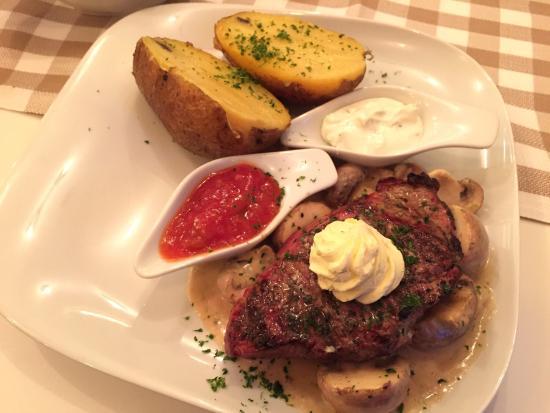 Luis Restaurant