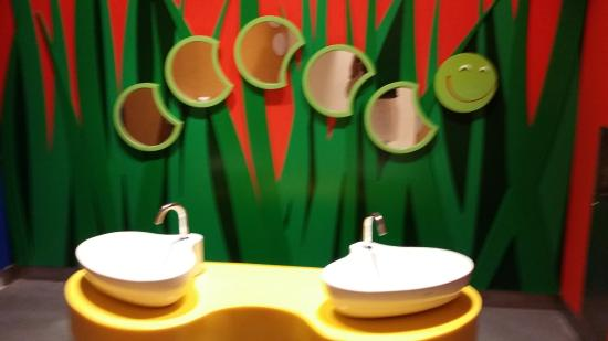 Jurong, Singapore: Kids Toilet