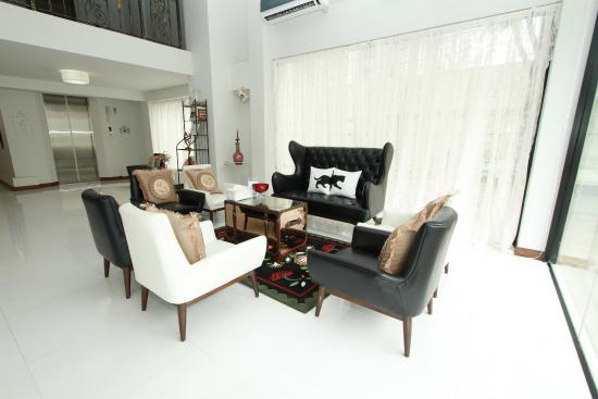 Bed by City Surawong-Patpong