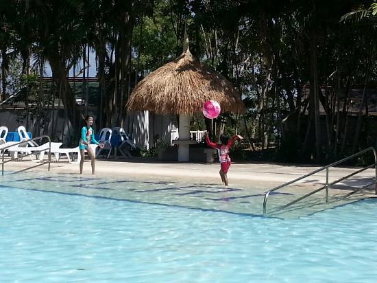 Pacific Cebu Resort: Family get.away!
