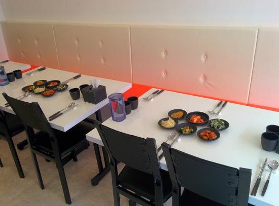 Makan Halal Korean Restaurant: Table set makan restaurant