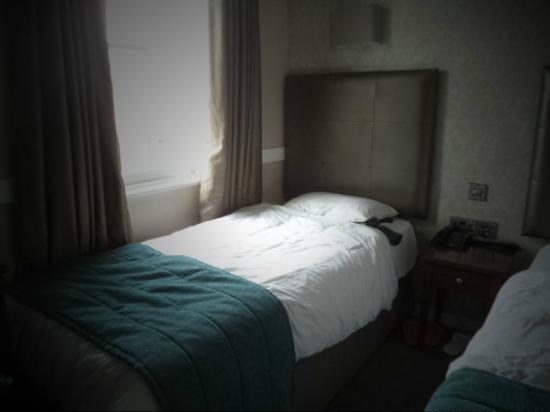 Princes Square Hotel: ...camere piccole ma pulite...