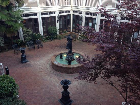 St. James Hotel : Inner courtyard