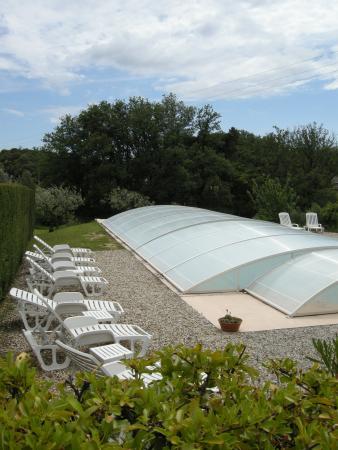 Domaine le Puy du Maupas: piscine couverte 1