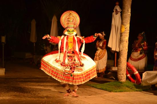 The Leela Kovalam Beach: Kathakali dance