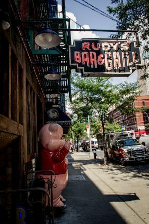 Rum and Blackbird: Rudy's Bar & Grill