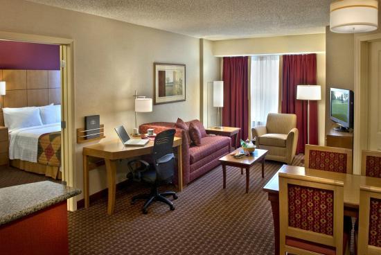 Residence Inn Bridgewater Branchburg: Two Bedroom Suite