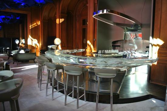 bar de l 39 h tel picture of le bar du plaza athenee paris tripadvisor. Black Bedroom Furniture Sets. Home Design Ideas
