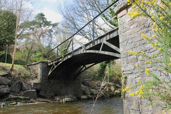 Aberdare, UK: The Bridge from the Riverbank