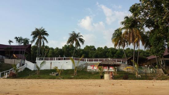 Tanjung Bidara Beach Resort: The place has great potential! Lousy restaurant service though…