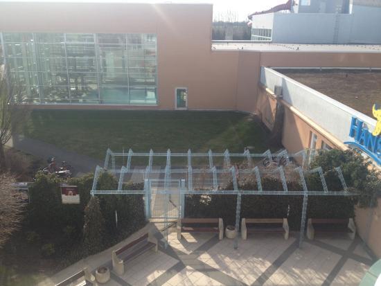 Wyndham Stralsund HanseDom: Blick vom Balkon Zi 218 Eingang Badespaß