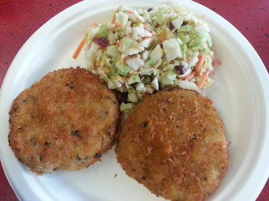 Captain Bob's Chowder: Best Crab Cakes and Slaw
