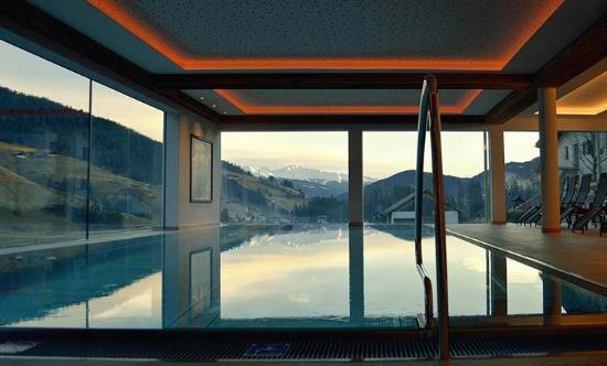 Hotel Trenker: Schwimmen mit Aussicht - Nuotate panoramiche