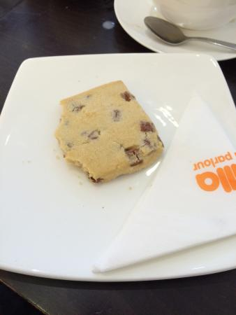 Vanilla Ice Cream Parlour: Yummy chocolate chip shortbread