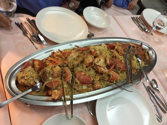 Najade: Frischer Hummer mit Spaghetti für 5 Erwachsene
