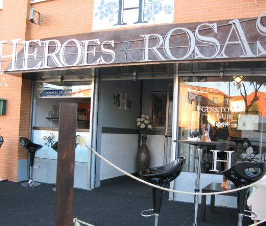 Bormujos, España: HEREOS&ROSAS fachada