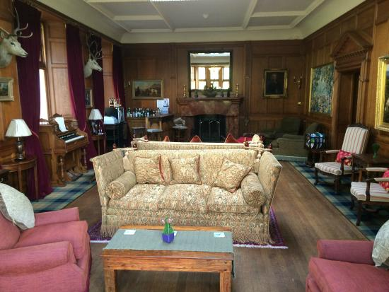 Glenborrodale Castle: Bar / seating area
