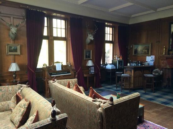 Glenborrodale Castle: Bar seating area