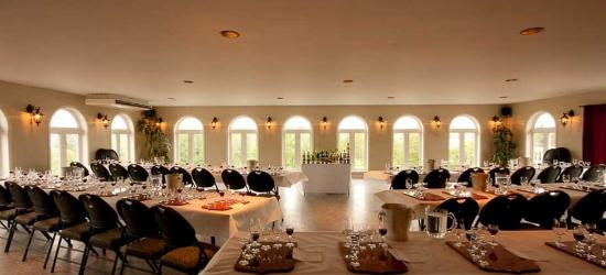 Le Cep D'Argent: Salle de dégustation de groupe / Group Tasting Room