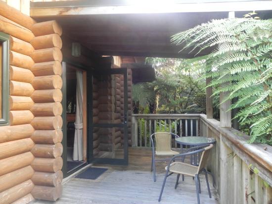 Tree house entrance/patio - Picture of Rainforest Retreat, Franz ...