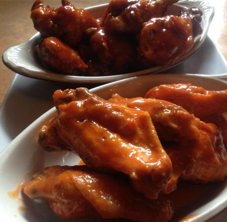 J Brian's Tap Room: Big Matt's Crispy Wings