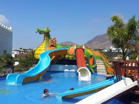 Plano picture of gran castillo tagoro family fun for Piscine enfant