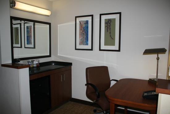 Hyatt Place Santa Fe: Desk