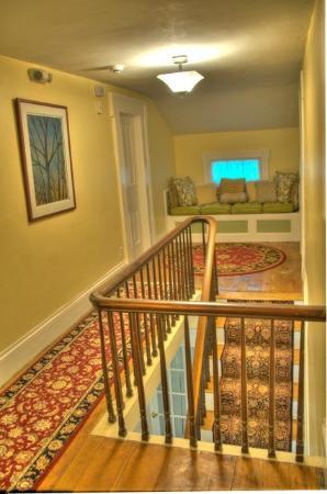 The Blackberry Inn B&B: Upstairs Hall