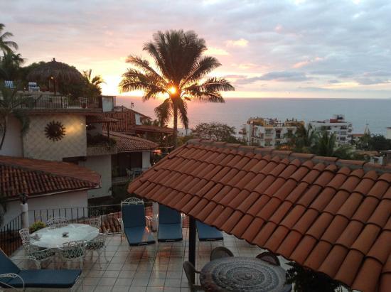 Casa Anita y Corona del Mar: sunset from our balcony
