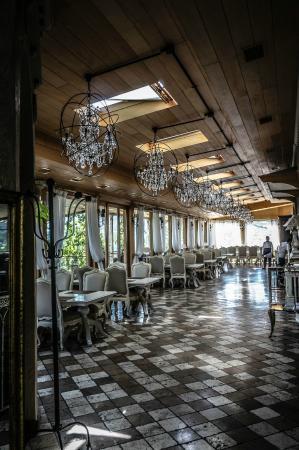 Ambassadori Tbilisi Hotel: Ресторан