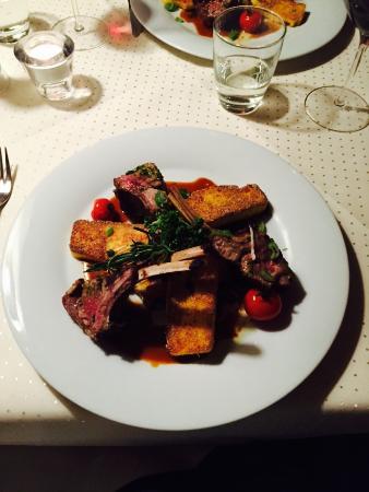 Gerber Haus: Hauptspeise: Lammkrone mit Polenta