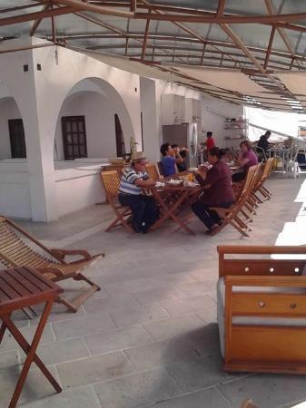 Hotel Oaxacalli: Desayunos En La Terraza . . .