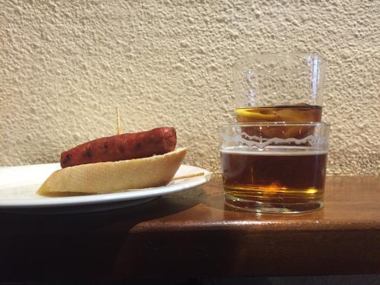Tauerna Urtau Vielha: Pincho y corto de cerveza