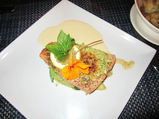 Restaurant Eden : Grilled Salmon