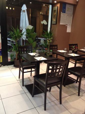 restaurant sushi room dans marseille avec cuisine japonaise. Black Bedroom Furniture Sets. Home Design Ideas