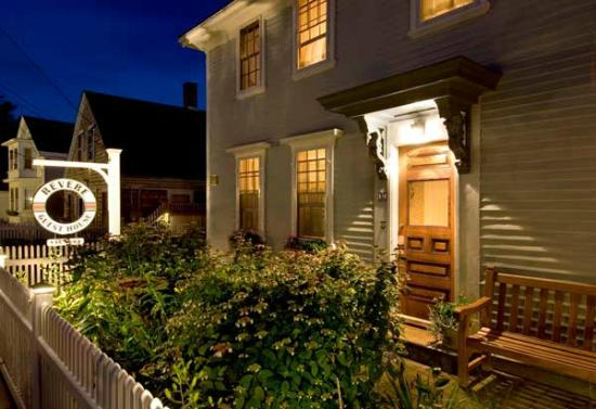 Revere Guest House: Front of Guest House Night View