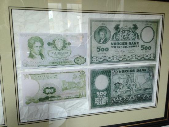 Banken Hotel: Money on the wall inside my room.