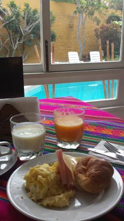 Basadre Suites Boutique Hotel: Desayuno del hotel